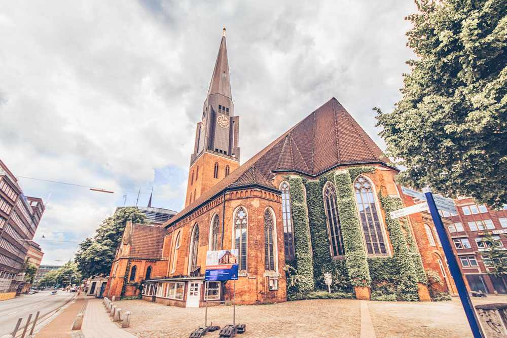 What to see in Hamburg: The St. James' Church is one of the five principal churches in Hamburg and one of the must-see attractions when sightseeing in Hamburg. C: Lepneva Irina/shutterstock.com
