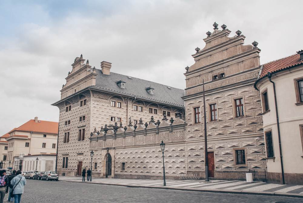Prague Palaces: View of the distinctive sgraffito patterns of the Renaissance Schwarzenberg Palace in the Castle District of Prague. PC: Martin Mašek [CC BY-SA 4.0 (https://creativecommons.org/licenses/by-sa/4.0)], via Wikimedia Commons.