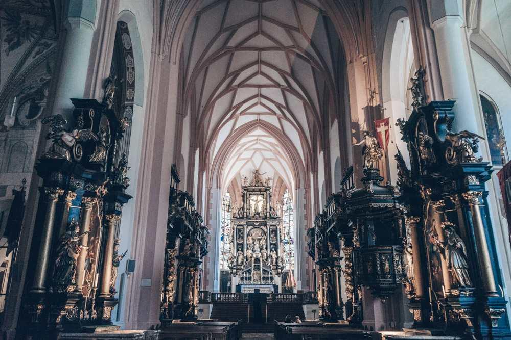 Maria's wedding was filmed inside this beautiful church.