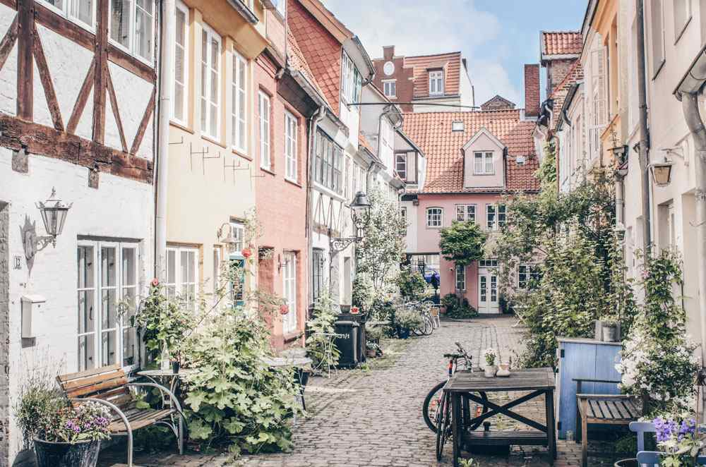 Points of interest in Lübeck - Low-timbered houses in a courtyard