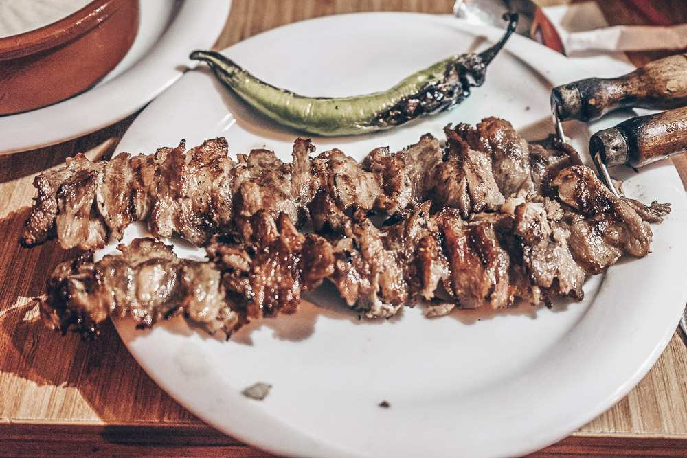 Istanbul street food - Cağ kebab on meat skewers