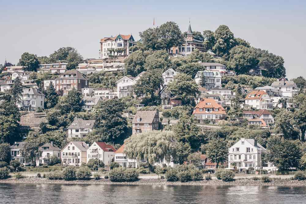 Hamburg city break - Magnificent villas in the affluent Blankenese neighborhood.