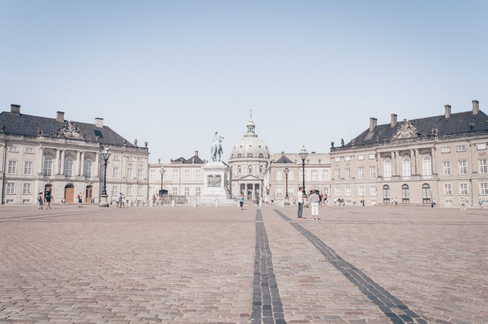 3 Days in Copenhagen: Panoramic view of the octagonal square of Amalienborg Palace
