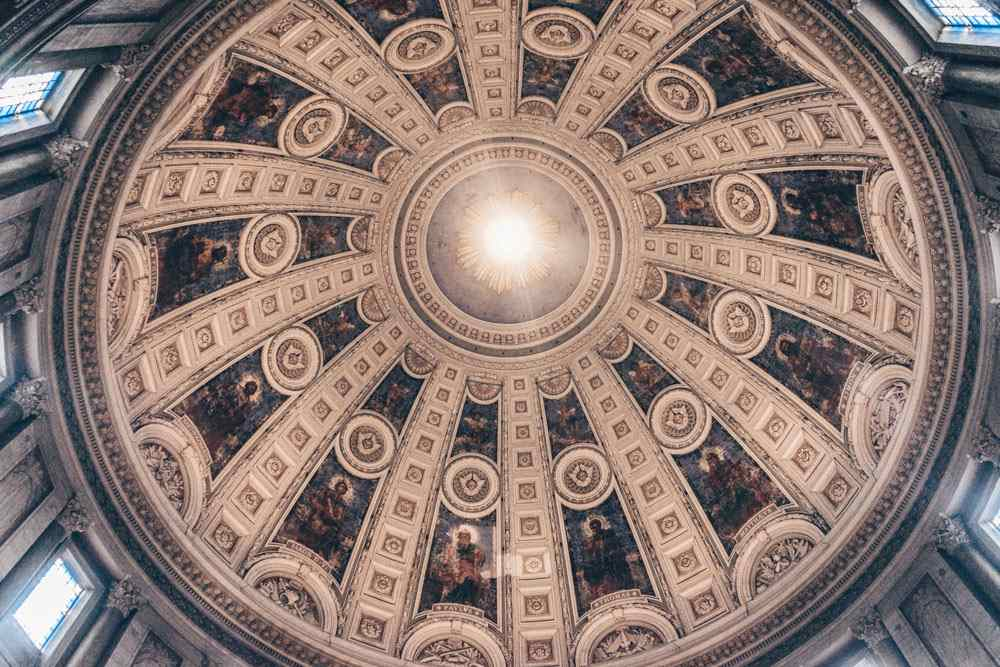 Copenhagen churches: Frescoes of Christ's Apostles inside the dome of Frederik's Church
