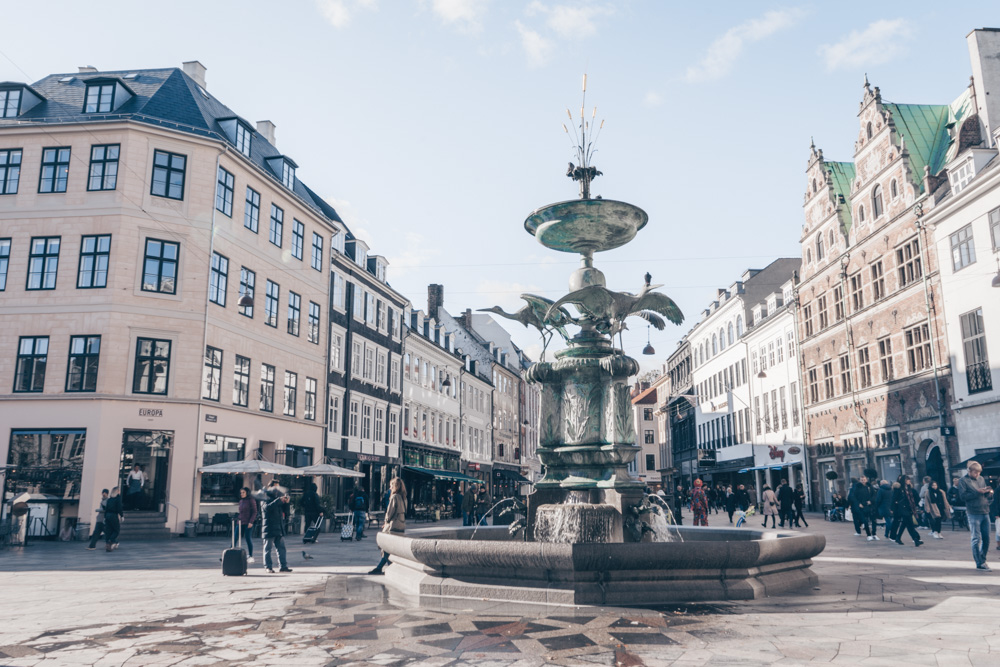 Copenhagen shopping: Panoramic view of the pedestrianized Strøget street