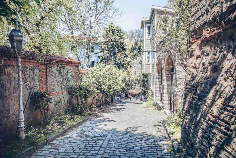 Things to do in Istanbul: Historic houses on the sloping Soğukçeşme Street