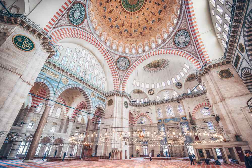 Weekend in Istanbul: The stunning interior of the Suleymaniye Mosque. PC: Mitzo/shutterstock.com