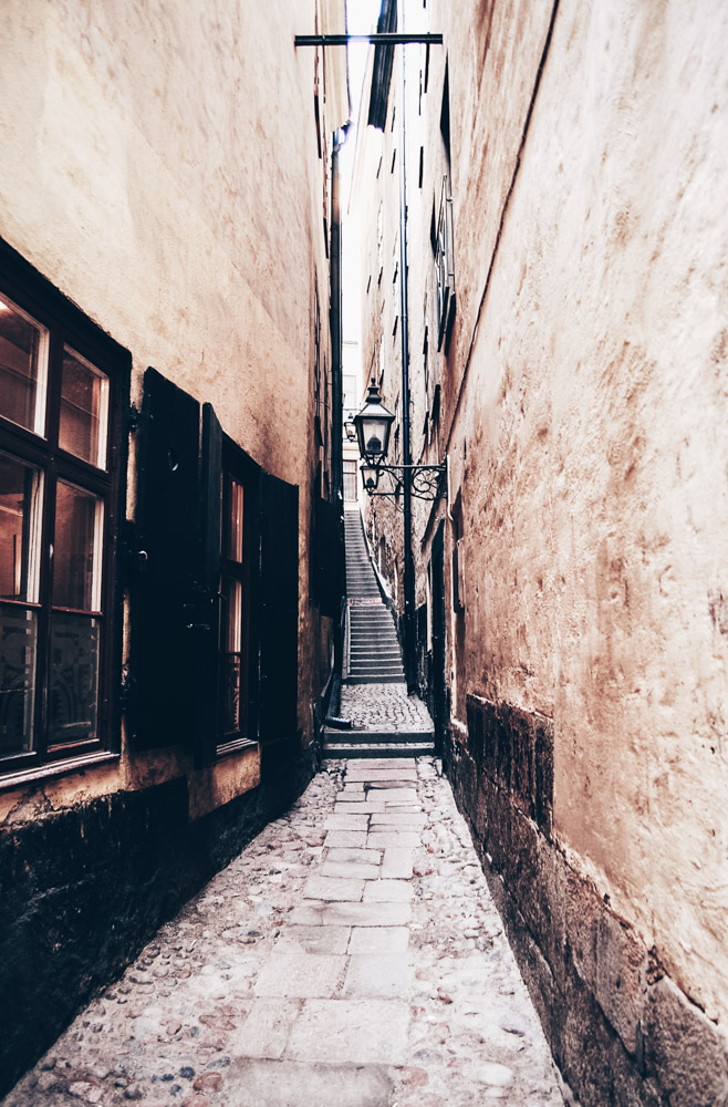 Stockholm sightseeing: Mårten Trotzigs Gränd, the narrowest street in Gamla Stan (Old Town)