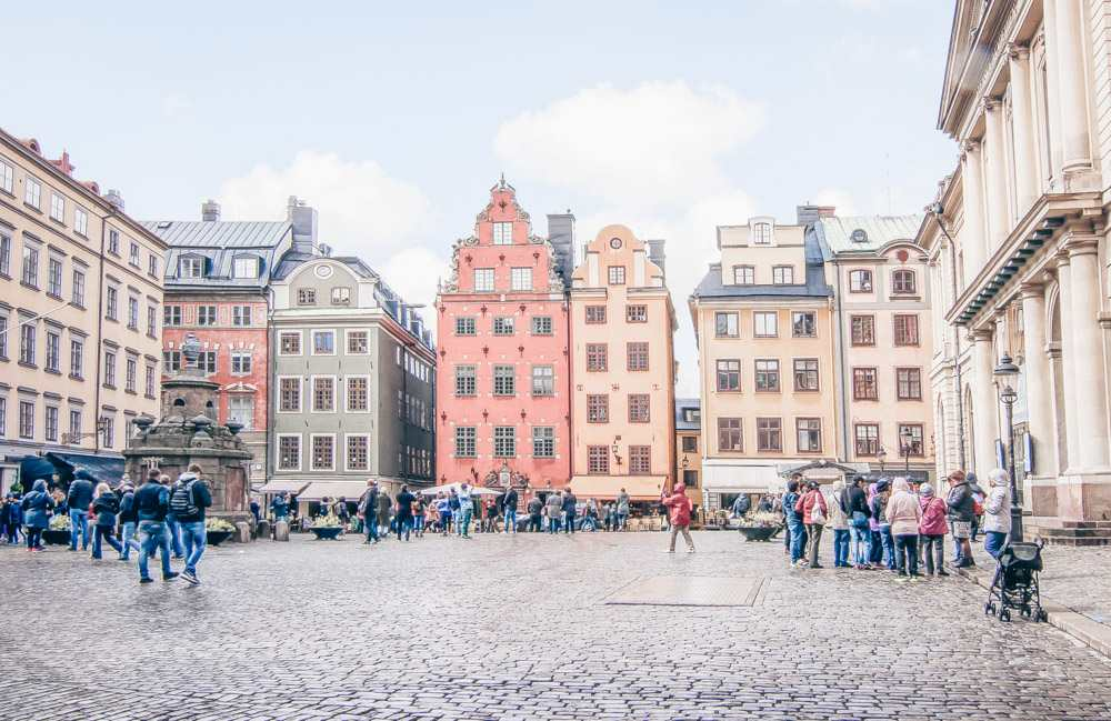 Must-see Stockholm: Lovely pastel-colored Renaissance buildings in Stortorget