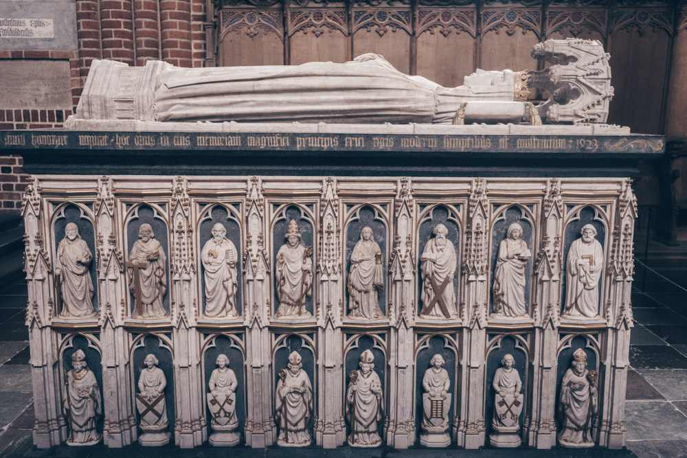 Roskilde Cathedral: The elegant alabaster sarcophagus of Margrete I as a child