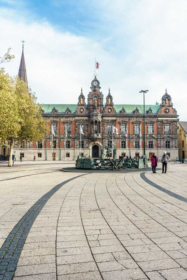 Things to see in Malmö: The Dutch Renaissance exterior of Malmö City Hall