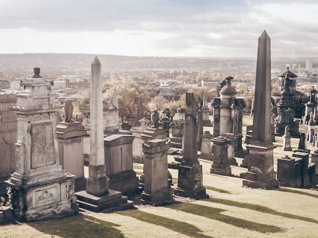 Glasgow Necropolis (C: Chris Downer, CC 2.0)