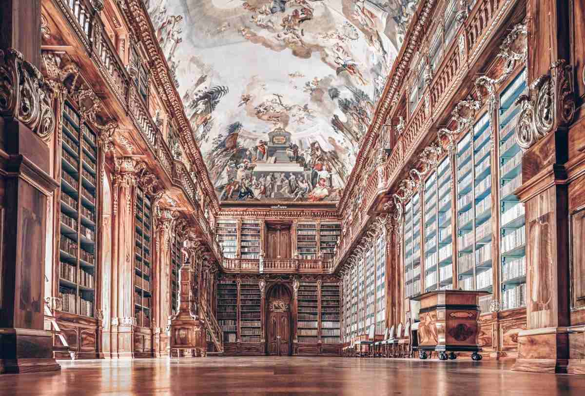 Prague Strahov Monastery: Huge collection of leather-bound books in the Philosophical Hall.