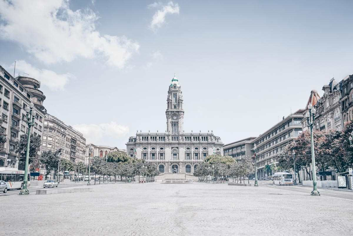 What to see in Porto: The imposing Town Hall on the tree-lined Avenida dos Aliados.