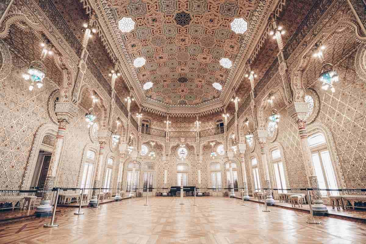 Palacio da Bolsa Porto: Swirling arabesques and stained glass windows of the lovely Arab Hall. PC: Sean Pavone/shutterstock.com