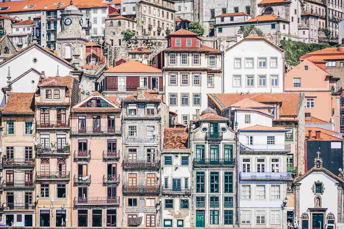 Places to see in Porto: Pastel-hued historic houses in the picturesque Ribeira district