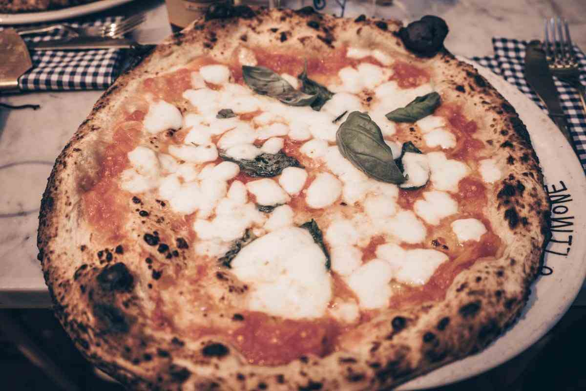 Best Pizza in Naples: The delectable Pizza Margherita at Concettina ai Tre Santi