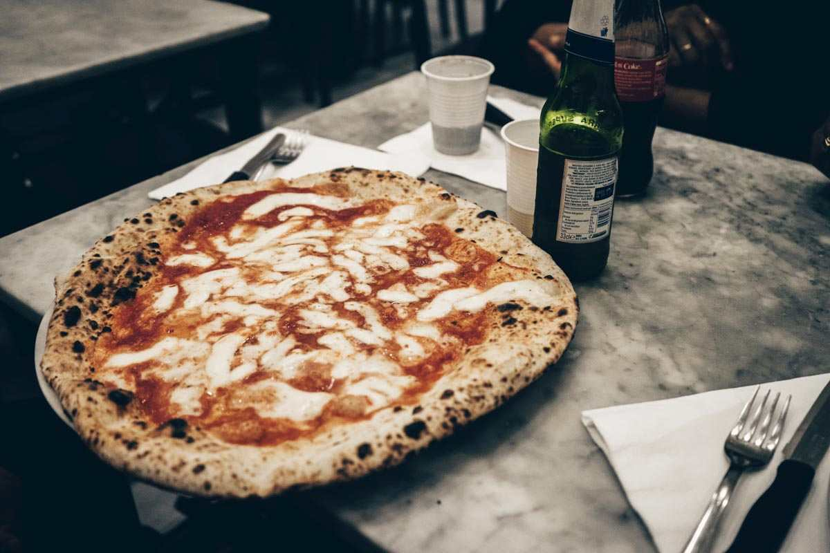 Best Pizza in Naples: The classic Pizza Margherita at L'Antica Pizzeria da Michele