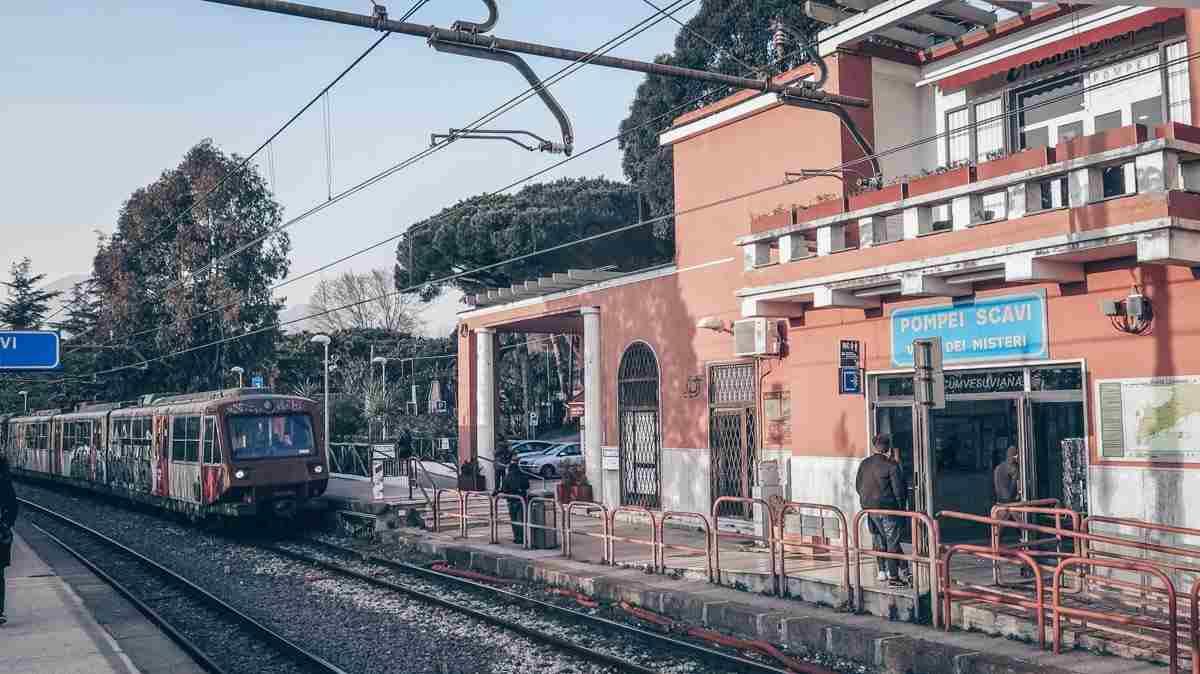 Visit Pompeii: Pompeii Train Station. PC: Epel/shutterstock.com