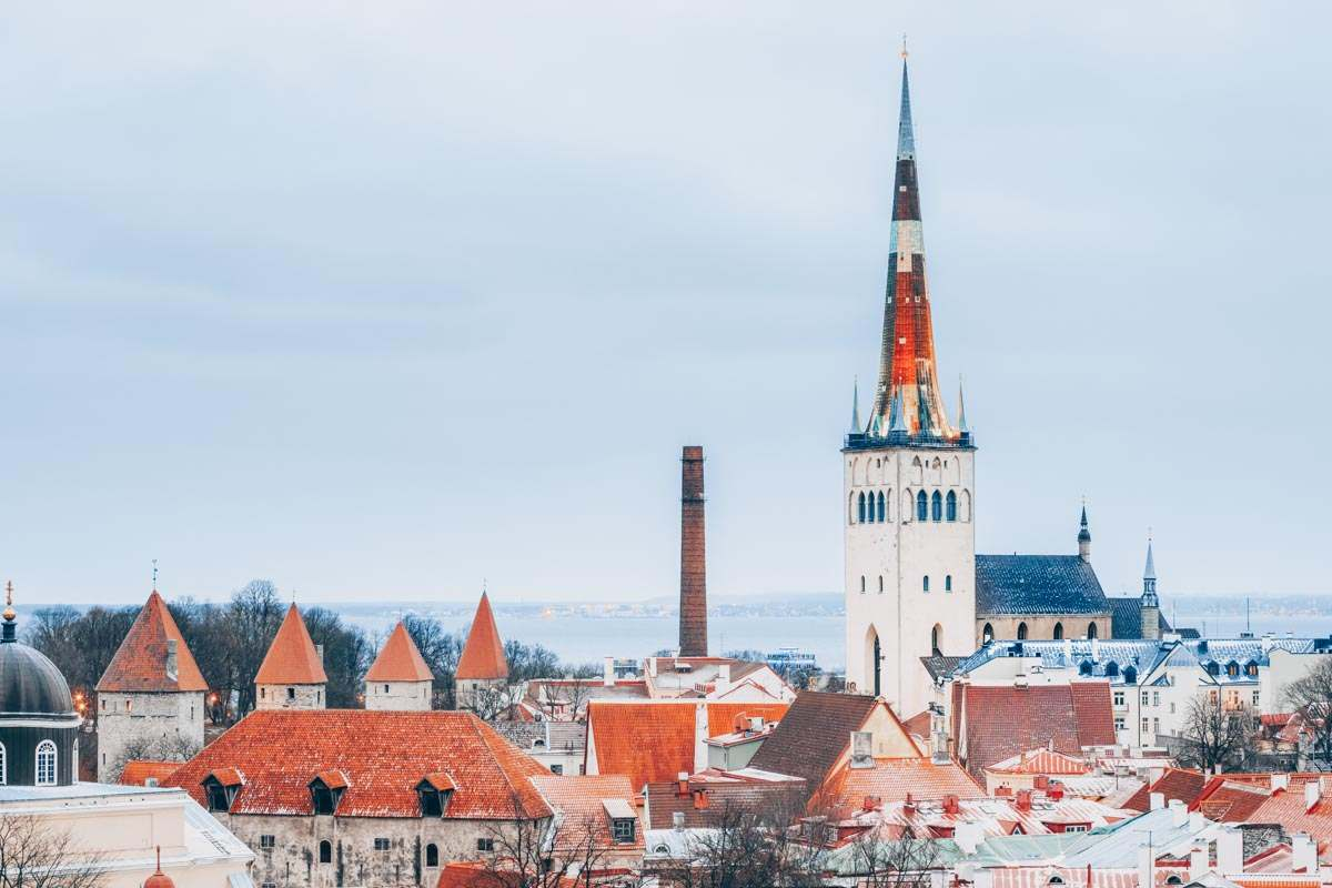 Helsinki Day Trip: Medieval town wall and the St. Olav's Church in the Tallinn Old Town