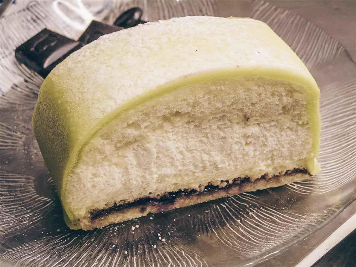 Swedish food: Princess Cake, princess cake, a domed, cream-filled sponge cake topped with a layer of green marzipan