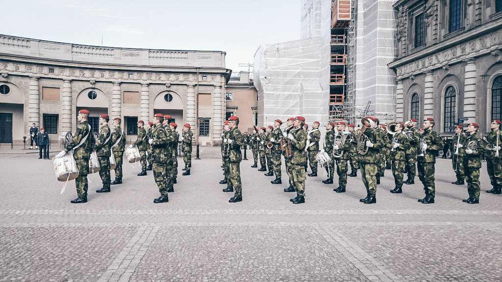 Stockholm Royal Palace: Soldiers taking part in the daily Changing of the Guard.