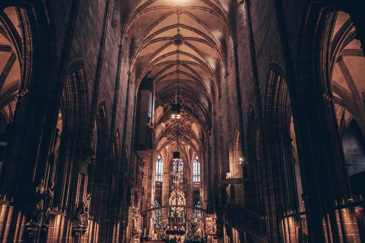 Churches in Nuremberg: The grand vaulted nave of the Church of St. Lawrence
