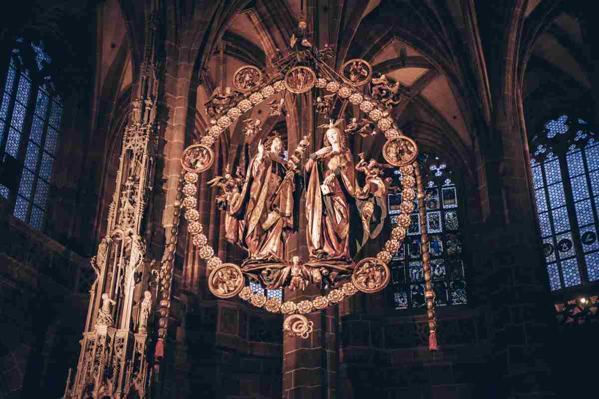 Things to see in Nuremberg: The Engelsgruss (Annunciation), a famous religious sculpture by Veit Stoß