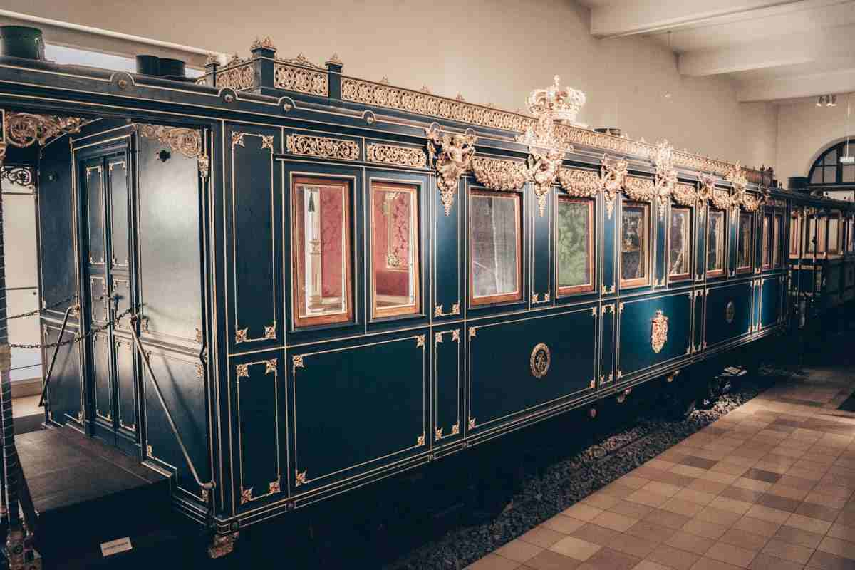 DB Railway Museum: King Ludwig II's ostentatious Rococo-style rail carriage