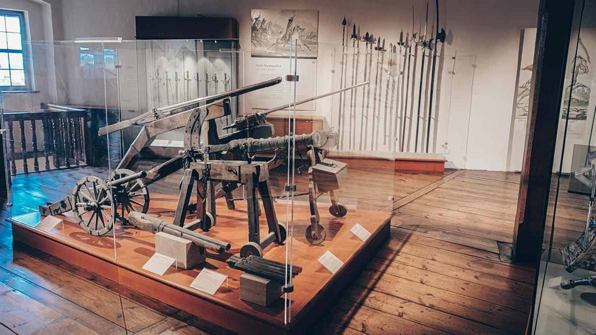Visit Nuremberg: A collection of armor and weapons at the Imperial Castle