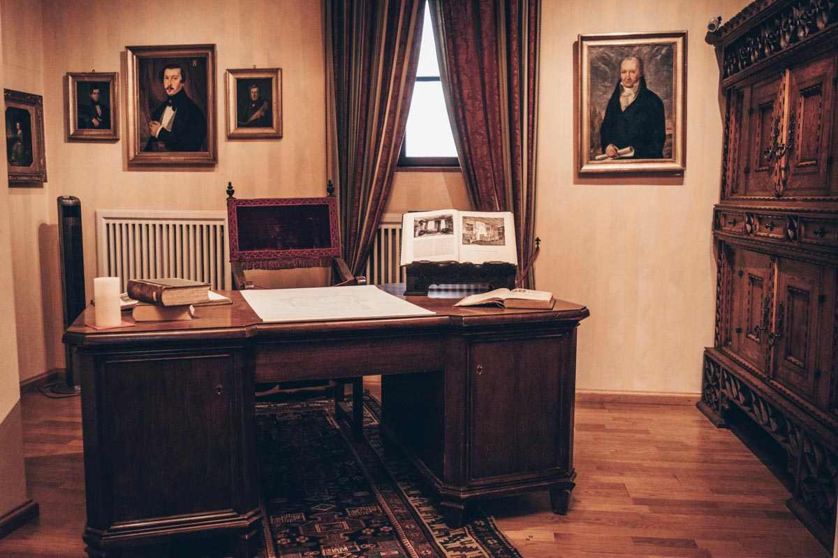 Places to see in Nuremberg: Paintings and antique furniture inside the Tucher Mansion Museum