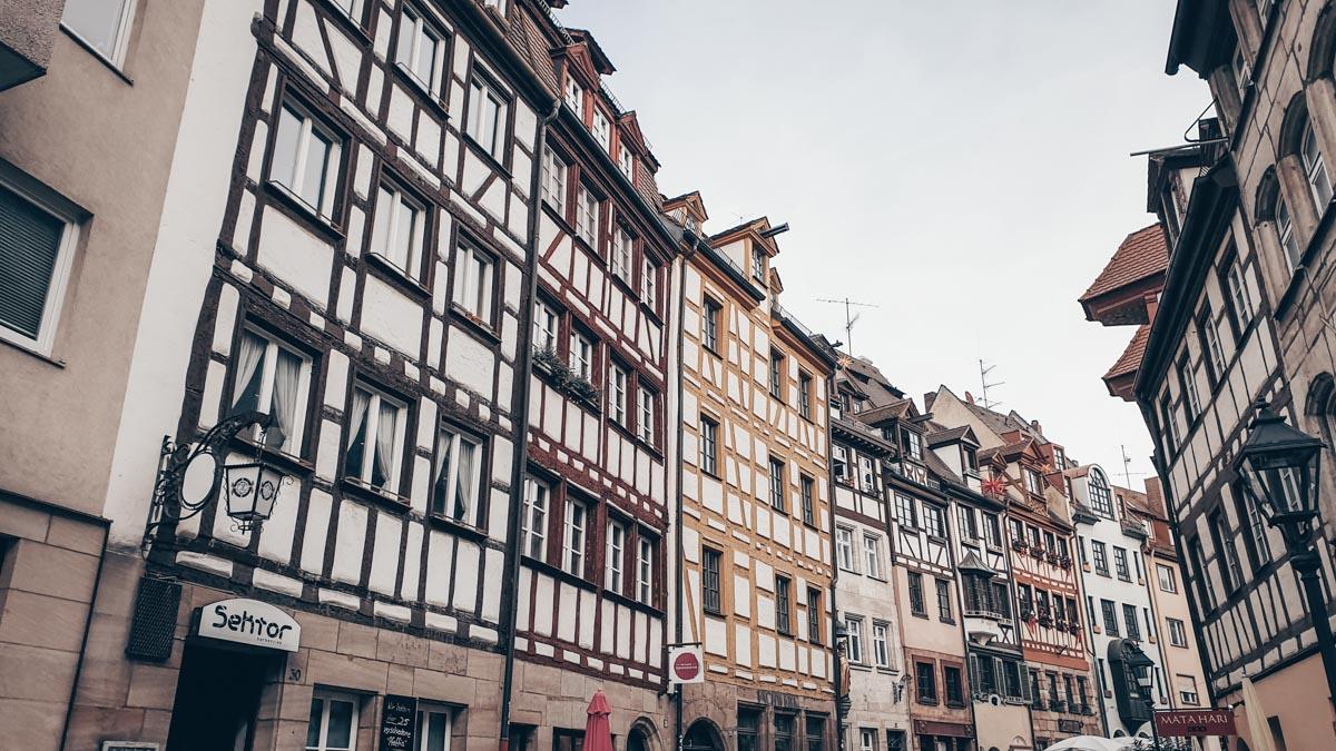 Must-see Nuremberg: Densely-packed colorful half-timbered houses on Weißgerbergasse