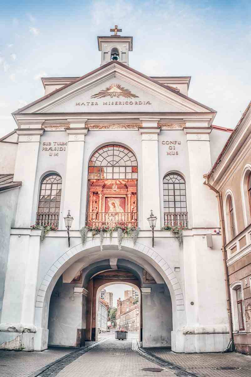 Vilnius sightseeing: The Gates of Dawn containing the famous The Madonna of Mercy icon.