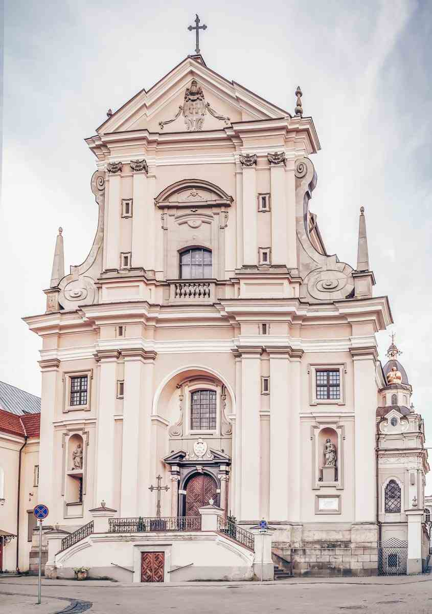 Vilnius attractions: The salmon-pink exterior of St. Theresa's Church