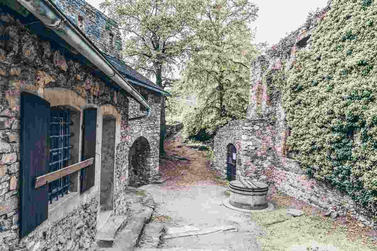 Visit Graz: Ruins of the 11-century Gösting Castle