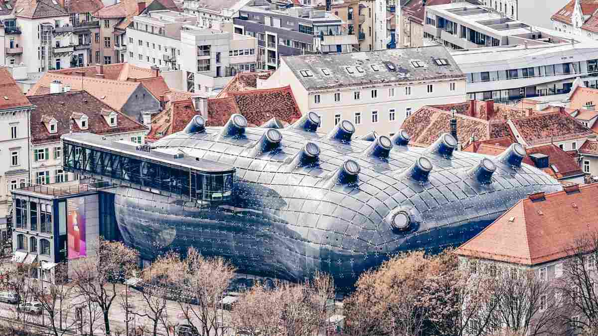 Must-see Graz: The oversized blob-like exterior of the Modern Art Museum with 16 tubercles