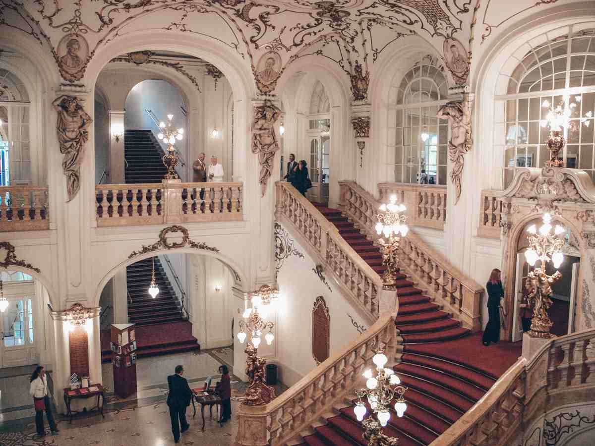 Things to see in Graz: Grand staircase and ornate Baroque interiors of the Graz Opera House. PC: Andreas Praefcke / CC BY (https://creativecommons.org/licenses/by/3.0), via Wikimedia Commons