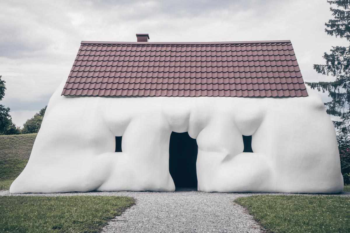 Graz sightseeing: The Fat House sculpture at the Austrian Sculpture Park