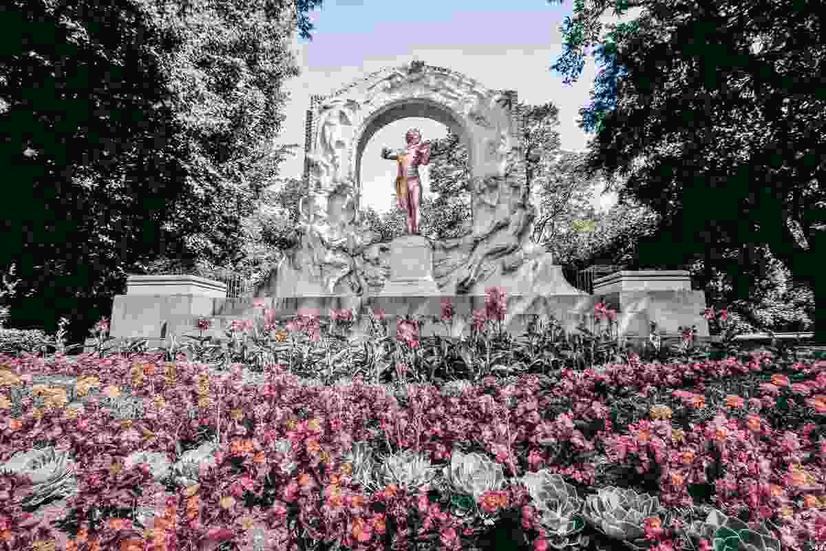 """The eye-catching """"Strauss Monument"""" at the City Park in Vienna"""