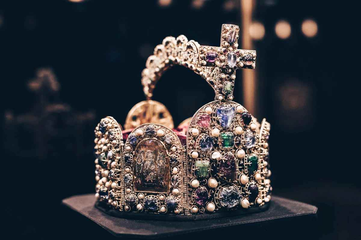 The jewel-encrusted Imperial Crown in the Imperial Treasury of Hofburg Palace. PC: Lestertair/shutterstock.com
