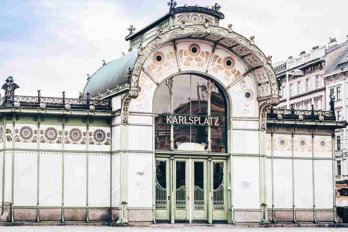The beautifully decorated Secessionist Karlsplatz Pavilion in Vienna. PC: vvoe/shutterstock.com