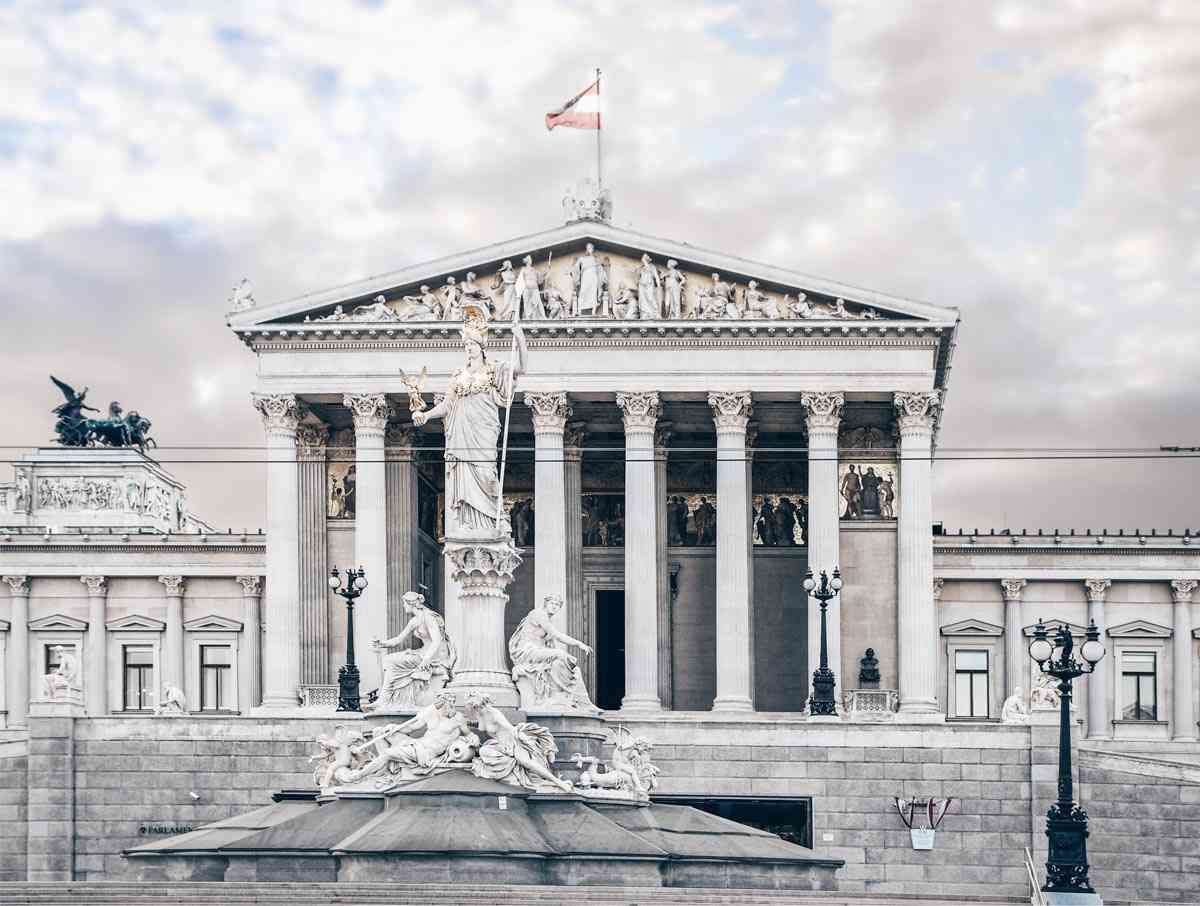 Vienna attractions: The famous Athenebrunnen statue in front of the Austrian Parliament