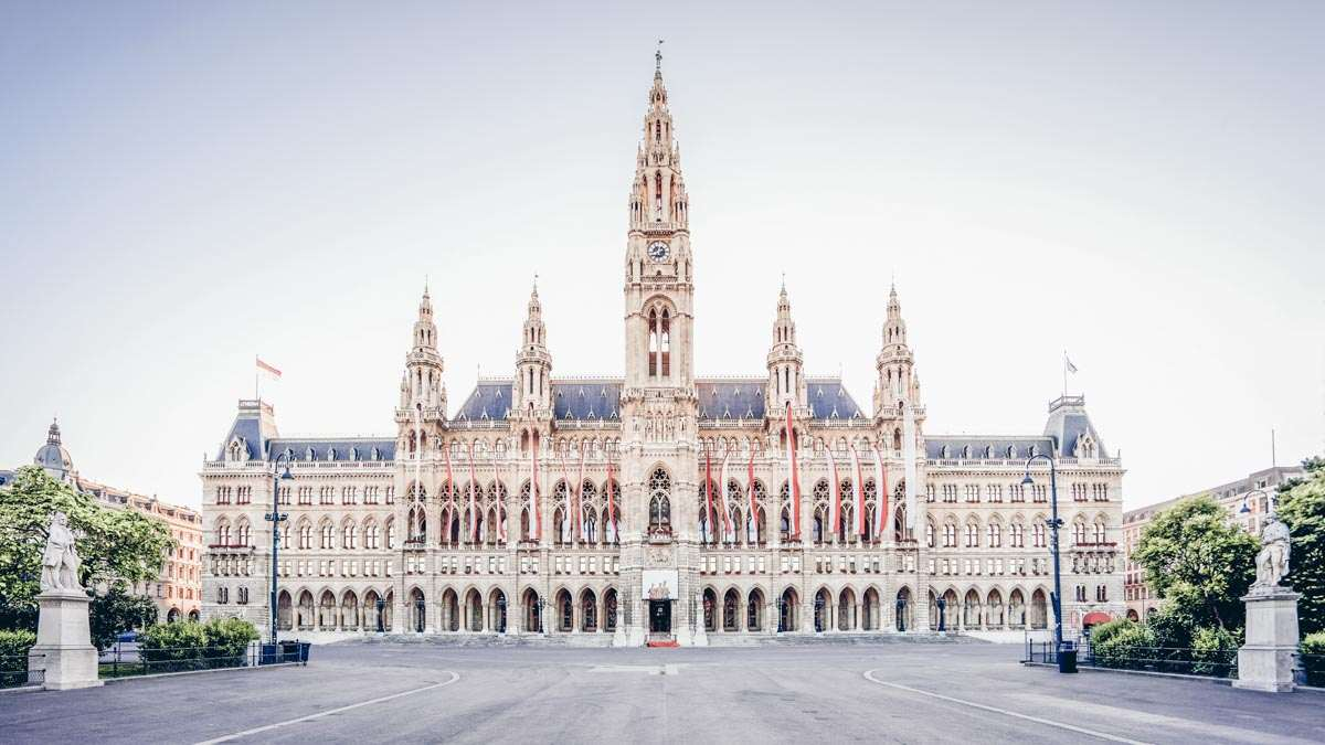 Must-see Vienna: The magnificent Neo-Gothic style Vienna City Hall (Rathaus)
