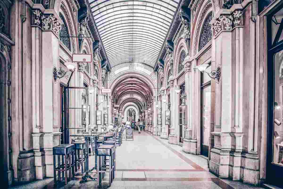 Vienna sightseeing: The posh marble-clad interior of Freyung Passage. PC: Altezza - Dreamstime.com