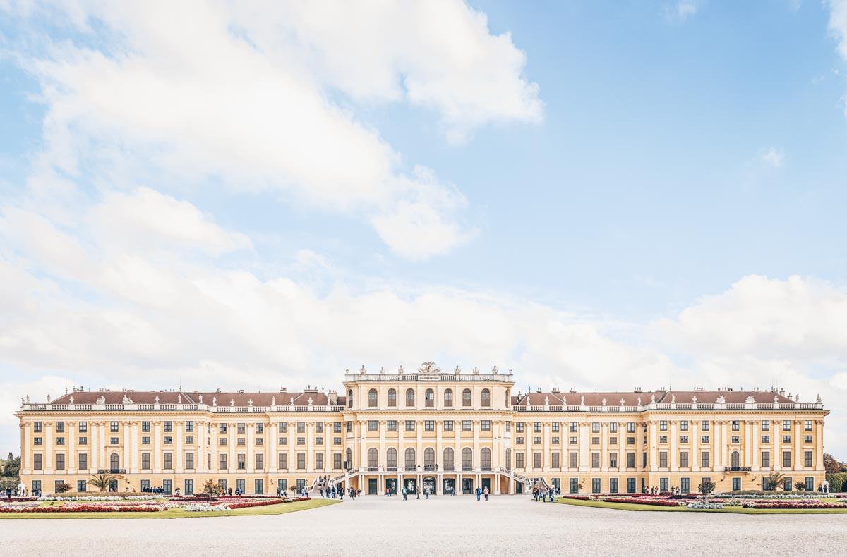 Must-see Vienna: Exterior of the grand Schönbrunn Palace
