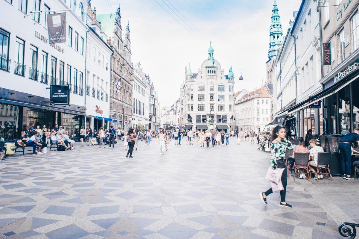Copenhagen attractions: People shopping along the pedestrian street of Strøget