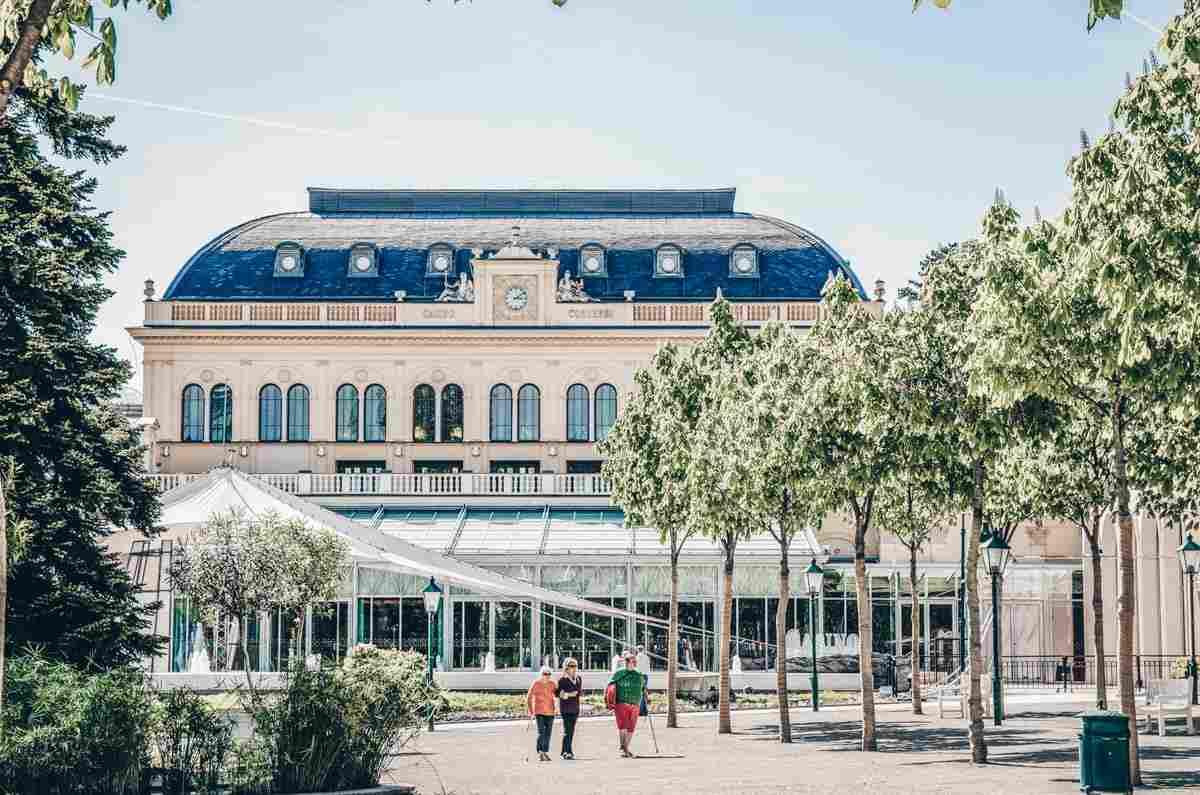 The historic casino inside Kurpark in the town of Baden bei Wien. PC: Przemek Iciak/shutterstock.com