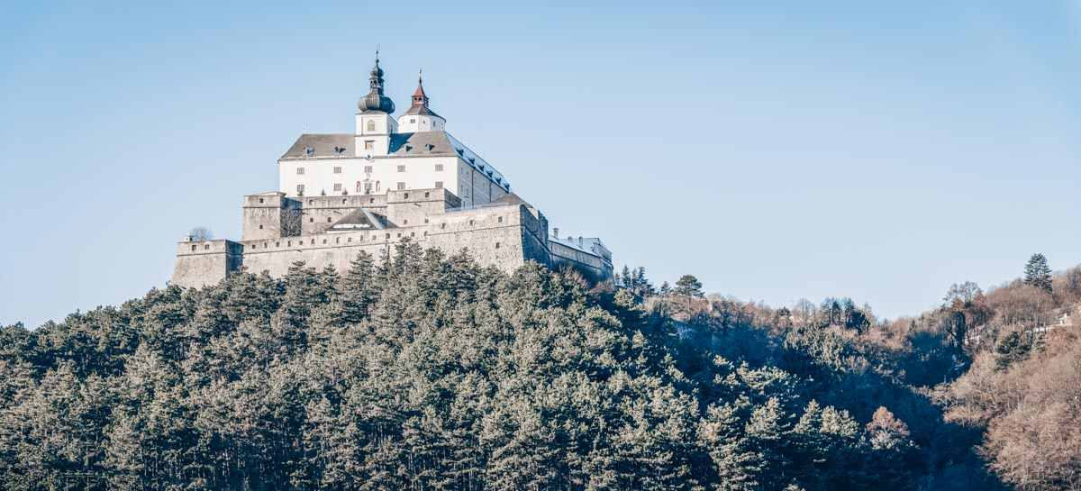 BEautiful castles in Austria: The late medieval Forchtenstein Castle