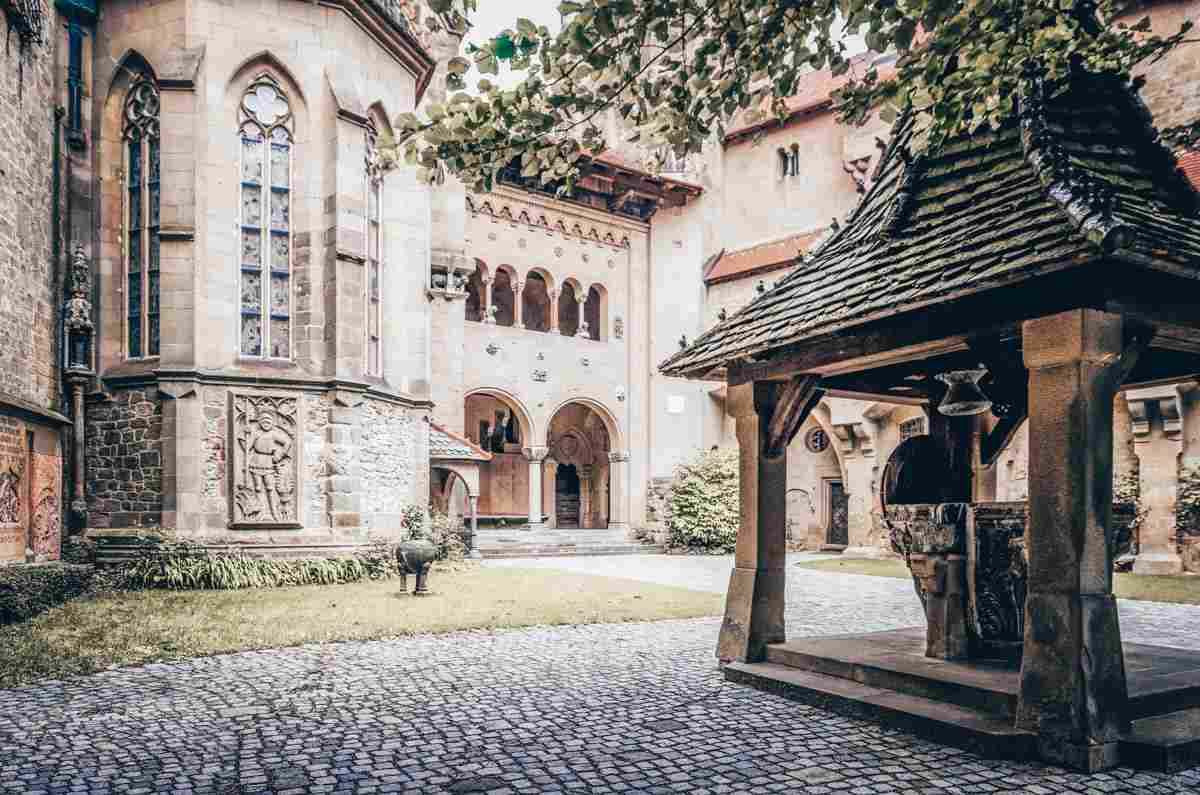 The inner courtyard of the Kreuzenstein Castle. PC: Alessandro Cristiano/shutterstock.com