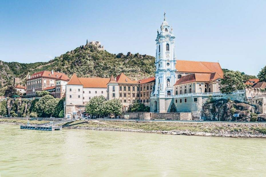 Beautiful Places in Austria: The lovely walled town of Duernstein